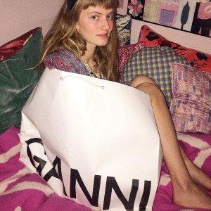 低至5折+额外9折Ganni 丹麦小众美衣、鞋包闪促 入公主泡泡袖