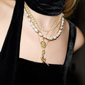 上新 £49收蛇形精致耳环Missoma X Harris Reed 新品 珍珠、玛瑙 星月项链 美丽奢华