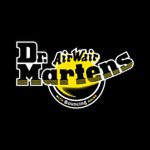 低至4折 收明星同款Dr.Martens 经典马丁靴大促 斑马纹3孔小皮鞋€84.25