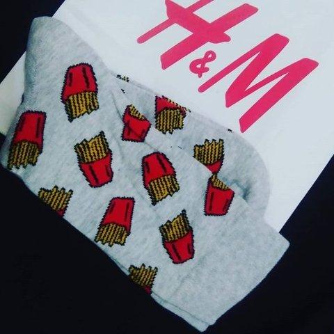 凑邮神奇 £1.5一双超可爱袜子H&M袜子谁说袜子不可以玩小心机 可爱好看 谁心中还没一点小可爱呢