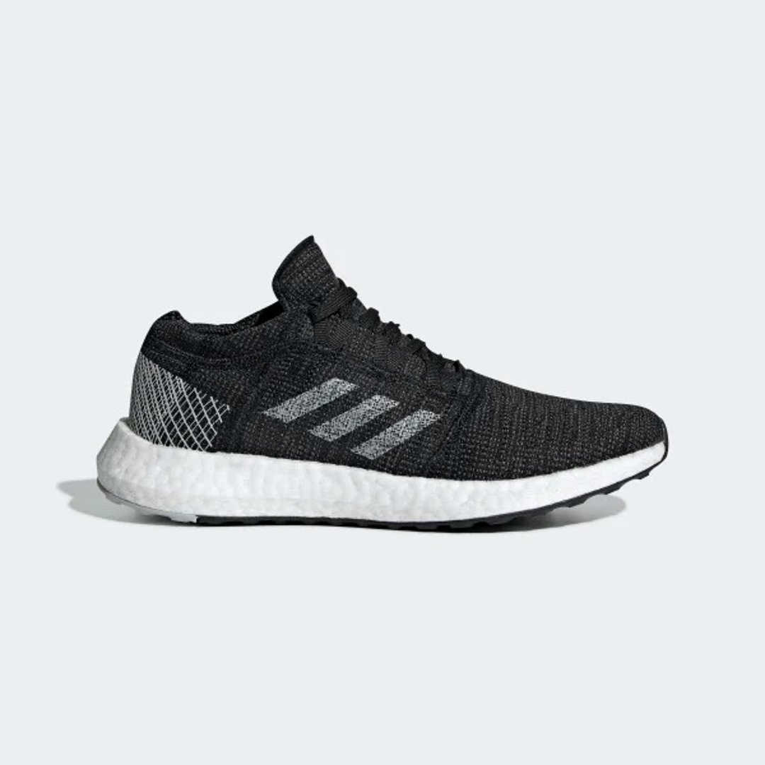 Pureboost 跑鞋