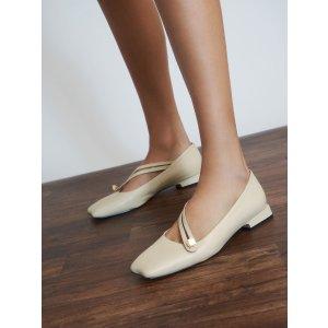 Charles & Keith设计感平底鞋