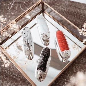 $20.29Guerlain Rouge G De Guerlain Le Brillant Exceptional Complete Lip Shine Sale
