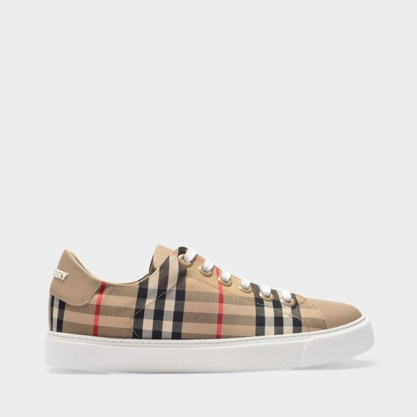 格纹运动鞋