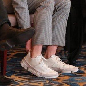 """7.8折 胡歌同款""""三瓣鞋""""也有手慢无:精选Clarks男女儿童鞋履超值热卖"""