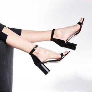 低至5折+额外8.5折 一字带凉鞋$162Stuart Weitzman 精选美靴、高跟鞋热卖