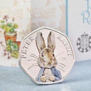 限时6折 £72收纪念币套装闪购:The Royal Mint 精选彼得兔纪念币套装大促