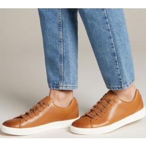 触感柔软,更贴合双脚,配合独有的透气孔设计Clarks其乐 Coling Limit 男式德比鞋 低帮系带 原价99.95欧 折后仅售54欧