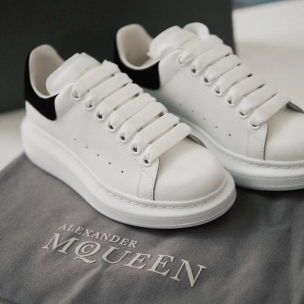 新款黑尾小白鞋