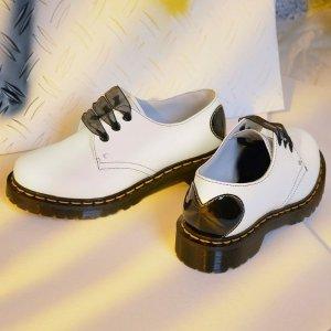 新款6.7折 折扣区5折起Dr. Martens 5.20大促 凉鞋、香芋紫马丁靴、爱心款上新