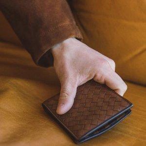 3.2折起 $110收麦昆骷髅卡包SSENSE 卡包专场 $257收BV编织卡包 $185收burberry卡包