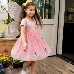 折上额外8.5折Hanna Andersson 超美女童连衣裙促销 收封面仙子精灵裙