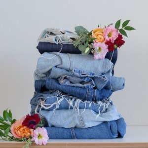 30% off $100+.Levis Sitewide Sale