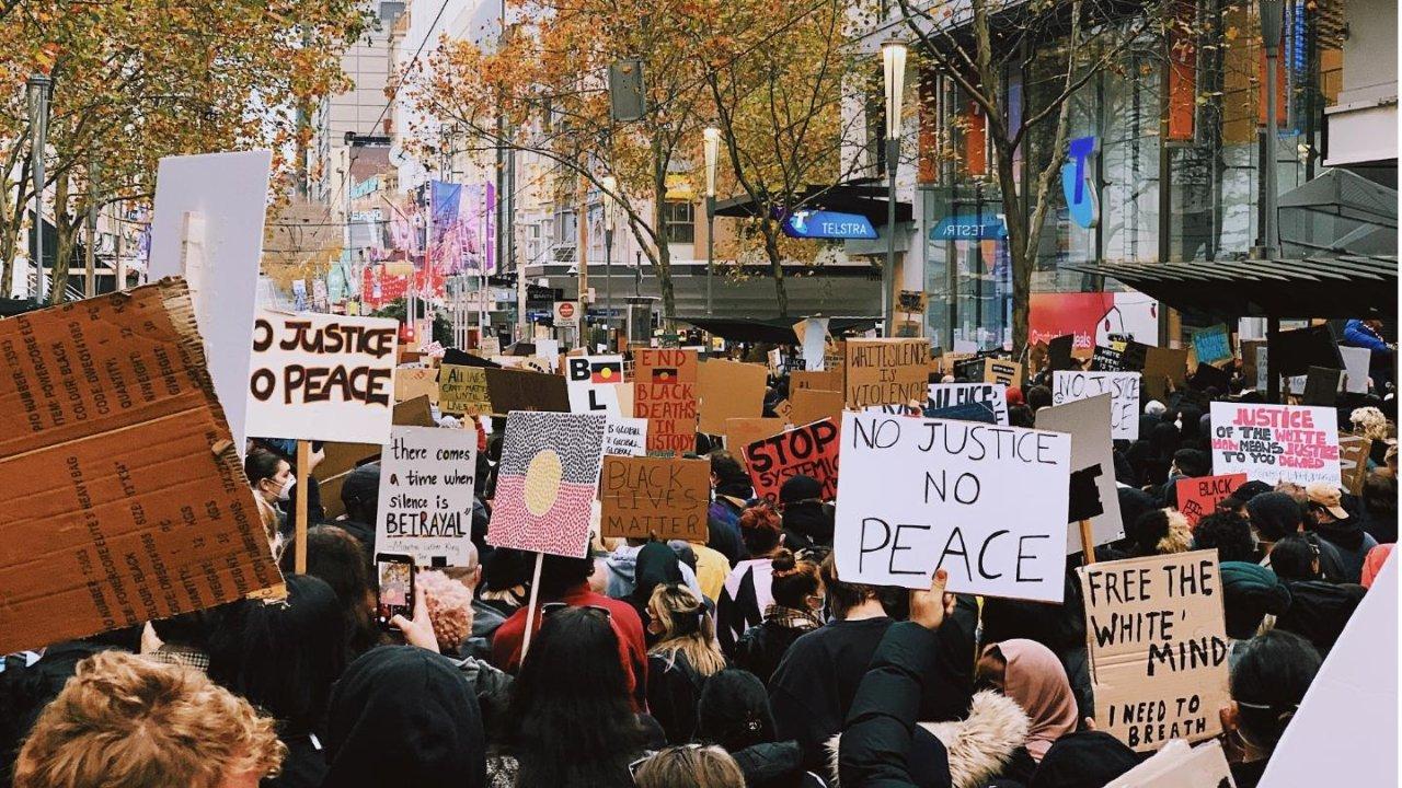 """多伦多周日举行抗议""""反亚裔仇恨""""游行  一帖get✔️加拿大集会游行攻略"""