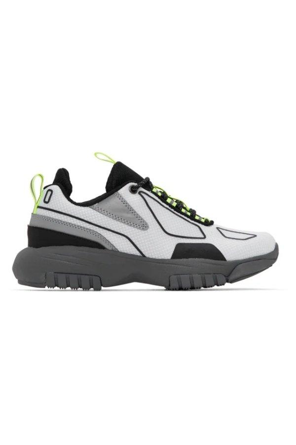 反光运动鞋