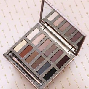 50% offNaked Ultimate Basics + makeup bag & 2 deluxe samples @ Urban Decay