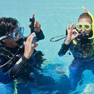 低至54折 掌握基本潜水技巧 下次旅行秀起来London School of Diving 伦敦潜水体验课程
