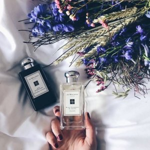 Select a deluxe samplewith any purchase of $50 or more @ Jo Malone London