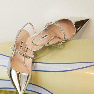 3折起  £357收芭蕾舞鞋Miu Miu 仙女牌再上新 水钻高跟鞋、小裙子码数全