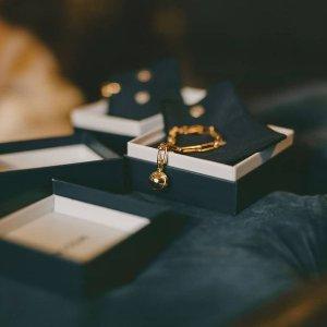 低至3.5折 断货超快即将截止:Missoma 新年大促新品加入 收优雅金饰、时尚博主最爱硬币项链