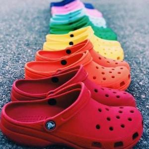 低至5.8折Crocs 官网洞洞鞋好价来袭,全家拖鞋一次安排