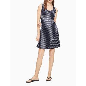 Calvin Klein条纹A字裙