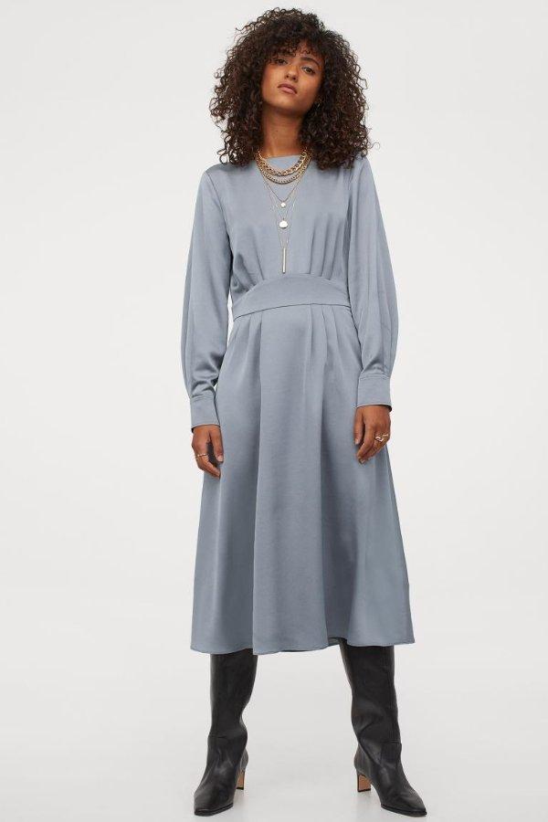 高领连身裙