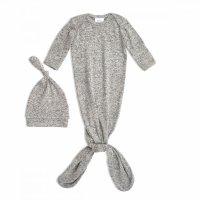 snuggle knit 连体服+帽子
