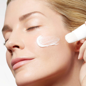50% off +Free GiftHyaluronic Express Brush Mask & Overnight Youth Mask Eviternity @ Eve by Eve's