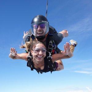 两人同行立减$100Skydive 15000英尺跳伞特惠 全澳通用