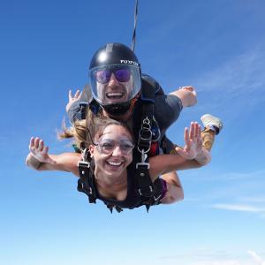 买即送 价值$30礼卡Skydive 全澳14-15000英尺跳伞