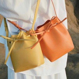 新品7折 €327收封面同款Mansur Gavriel 极简治愈系小众包包 收水桶包、云朵包、褶皱包