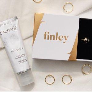 $75 三种戒围可选Caudalie X finley 跨界合作宝石戒指与护手霜套装