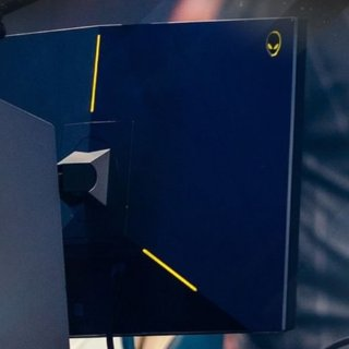 $494.99(原价$699.99) 电竞选手专用Alienware外星人 24.5'' 240Hz 1ms 游戏显示器 支持G-Sync