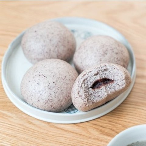 Easy to LearnHow to Make Cute and Tasty Red Bean Buns