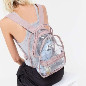 低至6.1折 迷你粉透明包$36Herschel 背包、行李箱、配件 $21收旅行5件套 时尚文艺范