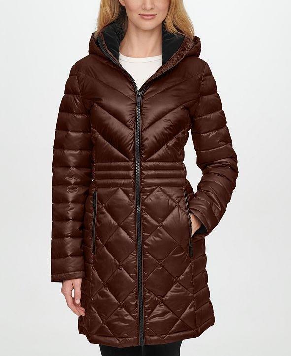 Hooded Packable 外套
