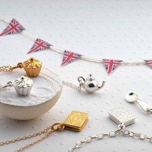 低至5折 £22收开运四叶草项链Lily Charmed 小清新可定制英伦银饰品牌圣诞热卖