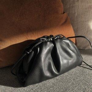 $1720(官网价$1960)Bottega Veneta 断货款小号黑色云朵包低价抢
