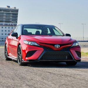 省油或运动 都能满足你2020 Toyota Camry 丰田凯美瑞选购指南