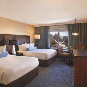 Excalibur Hotel Casino (石中剑赌场酒店)