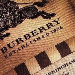 Up to 40% Off + Extra 15% OffPrada,Burberry Handbag Sale @ unineed.com