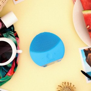 15% Off + Get a Free Full Size LUNA Play Facial Cleansing Devicewith Any $100 FOREO Purchase @ macys.com
