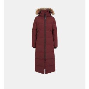 Canada Goose暗红色长款羽绒服