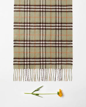 Up to $400 Offwith Burberry Scarves Purchase @ Bergdorf Goodman