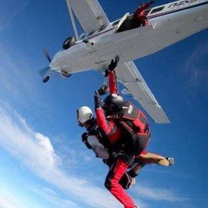 $190起 体验自由落体30-45秒拉斯维加斯 15000英尺高空跳伞 含酒店接送