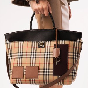 20% OffBurberry Christmas Comes Early Sale @ Selfridges