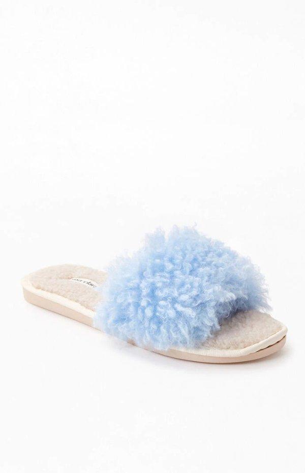 蓝色毛毛拖鞋