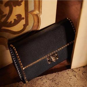 Up to 60% Off + Extra 15% OffDesigner Handbags @ THE OUTNET