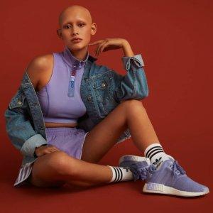 低至5折起 经典红蓝色补货adidas NMD系列球鞋热卖 出行必备 无敌舒适脚感